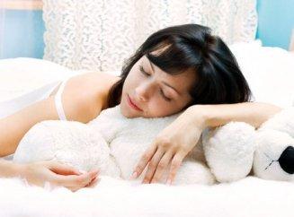 При беременности до скольки месяцев можно спать на животе
