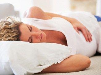 При беременности с какого срока спать нельзя на животе